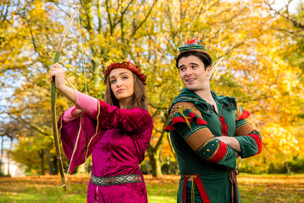 Robin-Hood-at-dlr-Mill-Theatre.-Evelyn-Shaw-as-Maid-Marian-and-Joe-Wright-as-Robin-Hood